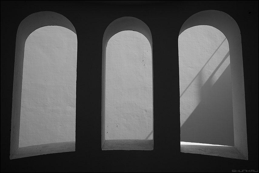 Арки - арки арка чёрнобелое свет египет тень архитектура предрассудок фото фотосайт