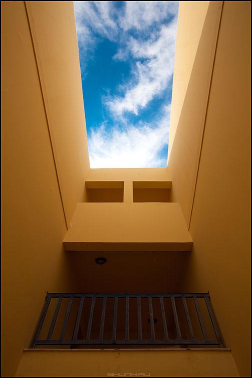 Геометрия отеля - небо отель геометрия архитектура стены балкон желтое египет фото фотосайт