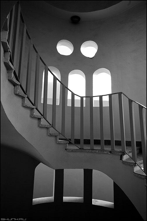 Архитектурные предрассудки потомков фараонов - архитектура египет окна элементы лестница чёрнобелое фото фотосайт
