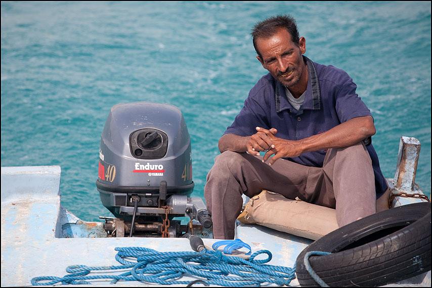 Сомалийский пират - египет море пират египтянин лодка мотор фото фотосайт