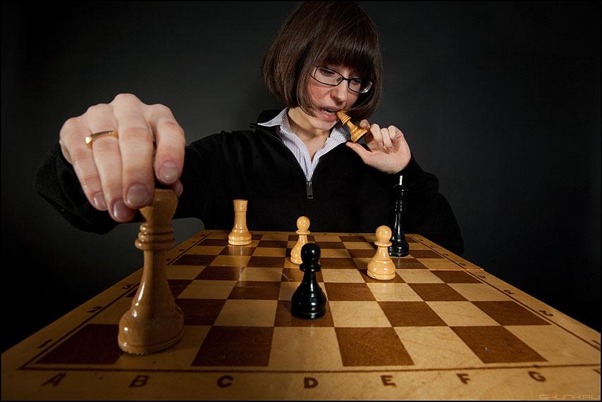 Вам мат! - шахматы студия король пешка постановка доска фигуры фото фотосайт