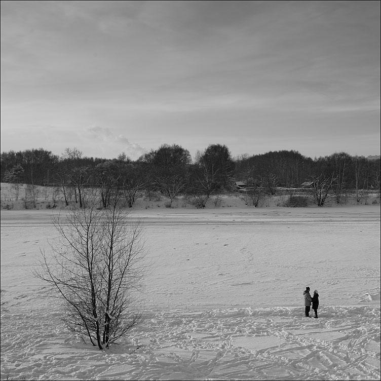Это жизнь - зима мороз река берег парочка дерево любовь онона фото фотосайт