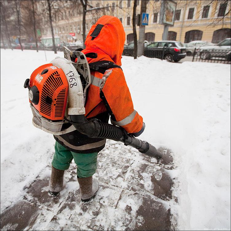 Сдуватель снега - снег зима квадратное профессии ранжевое фото фотосайт