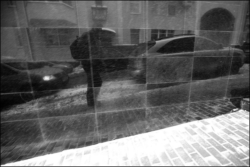 * * * - неназванная я отражение мрамор автомобиль монохром фото фотосайт