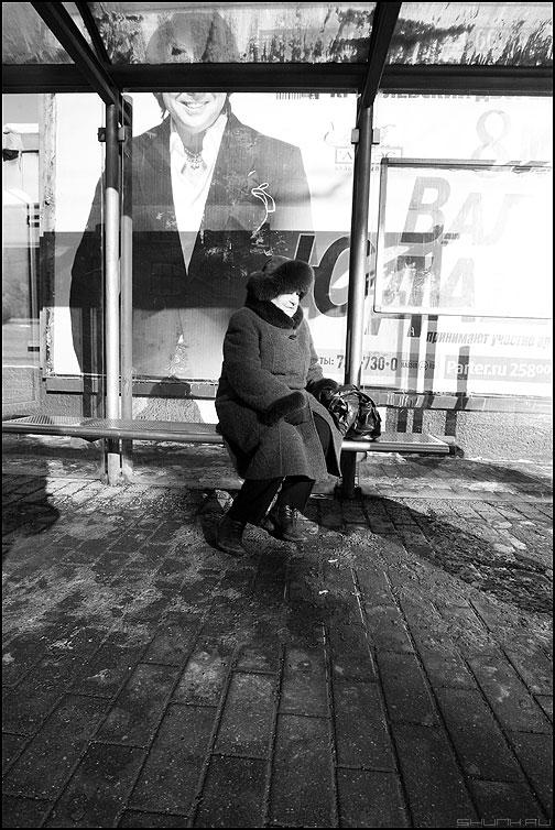 Хорошо смеется тот .... - бабушка остановка маяковская юдашкин юда чёрноеибелое фото фотосайт