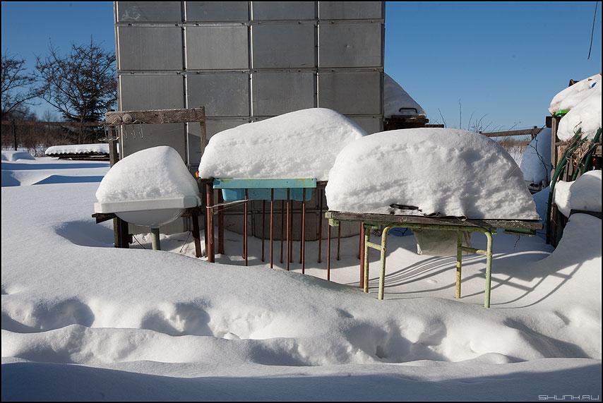 Снежные весы - весы снег сугробы деревня огород сугробы зимнее фото фотосайт