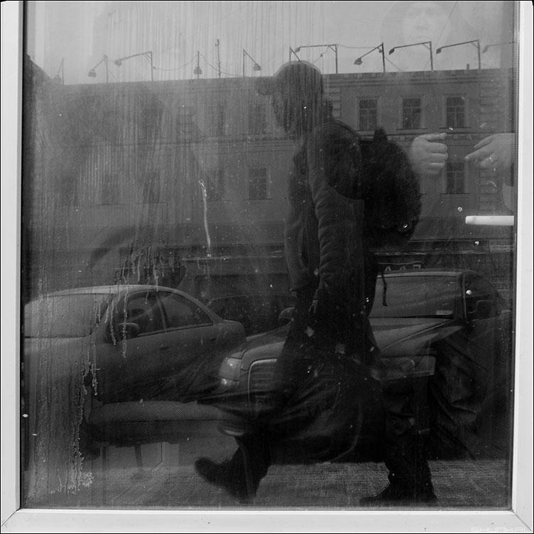 ШАГ - шаг я автопортрет отражение витрина куки фото фотосайт