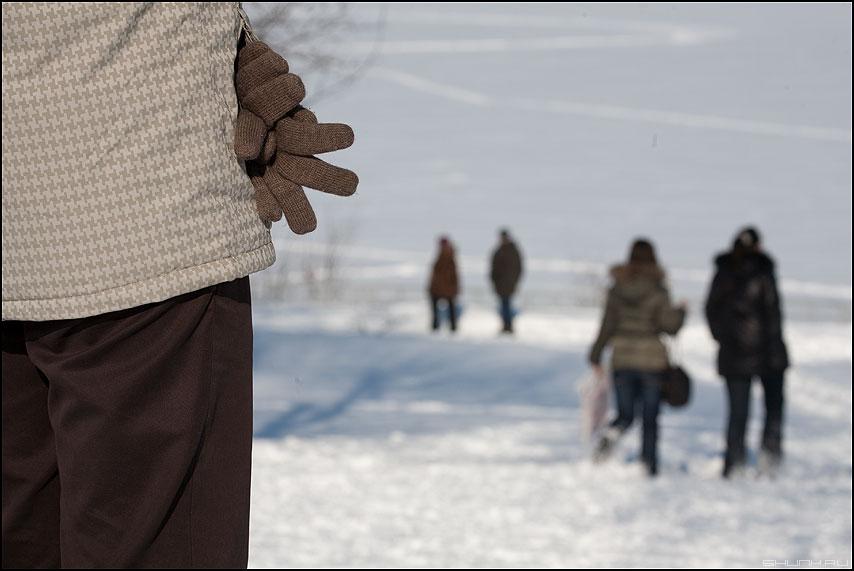Уйдут, Глеб Егорыч! - парочки зима перчатки карман снег фото фотосайт