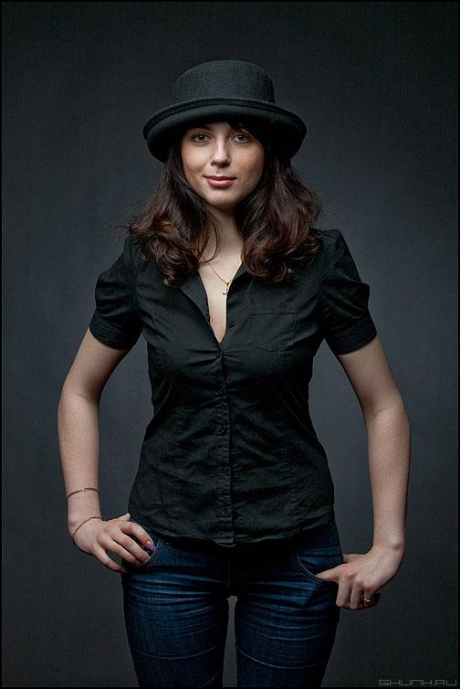 Про колечко - девушка студийное студия темное шляпа фото фотосайт