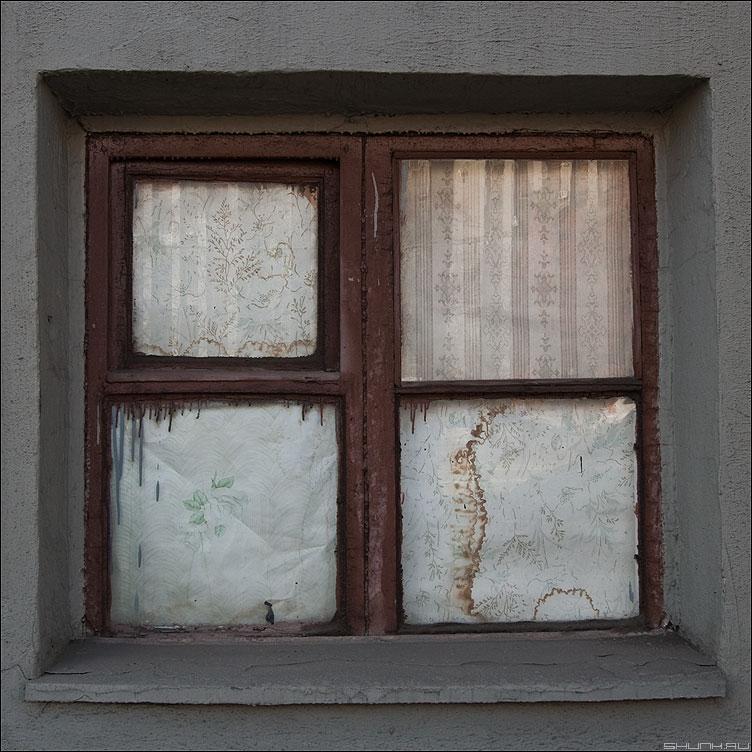 The Window - окно уличное краска обои квадратное элементы фото фотосайт