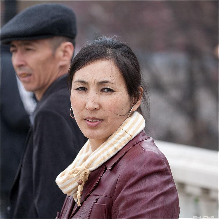 Москвичи или гости столицы? - квадратное манежка портрет девушка гости столица уличное фото фотосайт