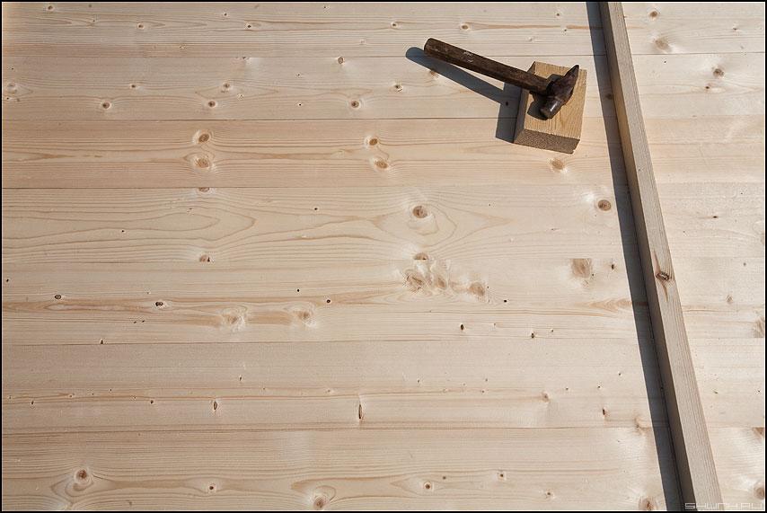 Строили мы, строили... И наконец построили... - дверь дерево молоток стройка баня фото фотосайт