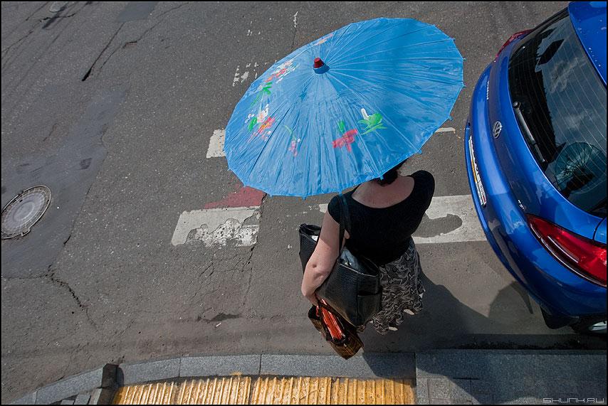 Японамать - зонтик япония пегеот пежо переход женщина противосолнечное фото фотосайт