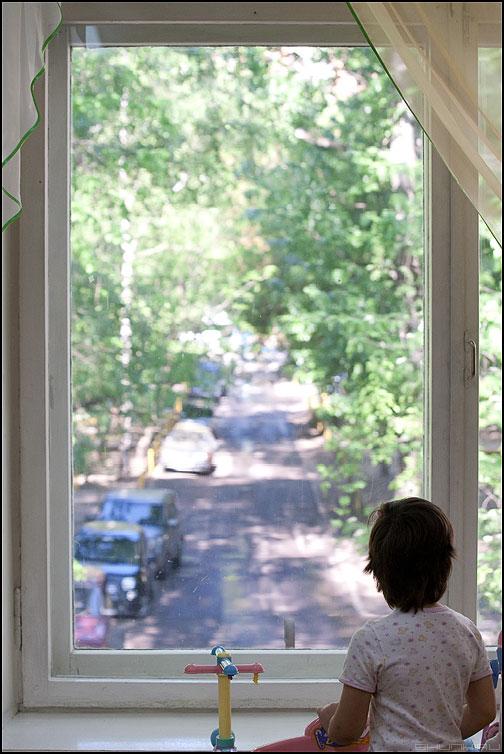 Ждать маму... - садик девочка окно ожидание дети фото фотосайт