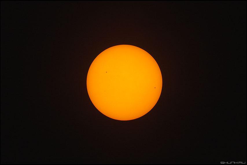 Пятна на солнце - солнце 100-400 телевик красное дым фото фотосайт