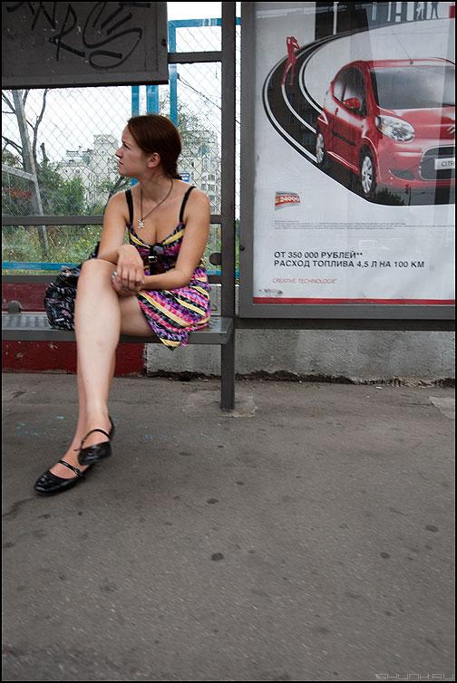 Это нога - кого надо нога! - нога остановка девушка автомобиль ждать фото фотосайт