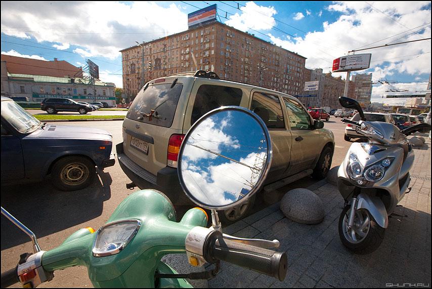 Небо здесь - небо зеркало уличное солнечное фото фотосайт