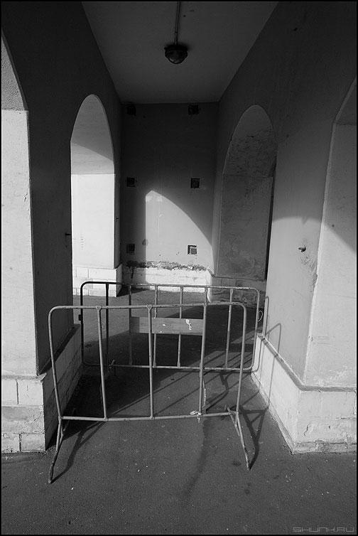 * * * - архитектура предрассудок монохром без названия фото фотосайт