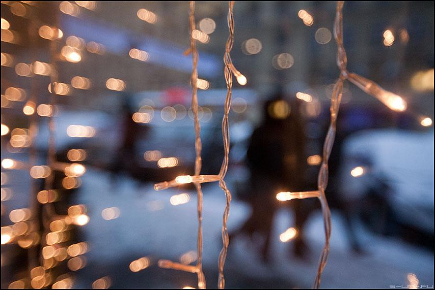 Огоньки уходящего года - огоньки стекло уличное новогоднее фото фотосайт
