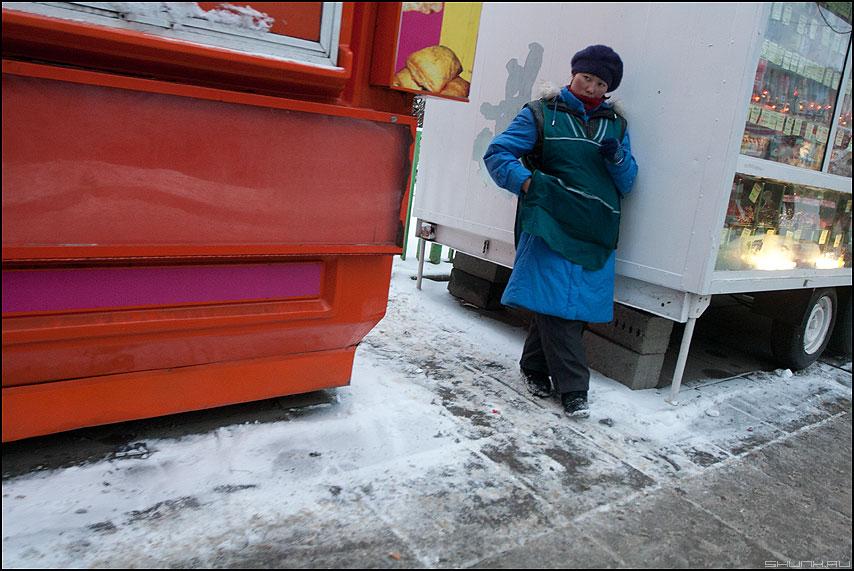 Торговка - профессии уличное зима палатки продавщица фото фотосайт