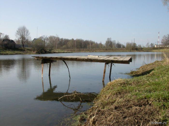 Льдом подняло - мостик речка весна деревня фото фотосайт