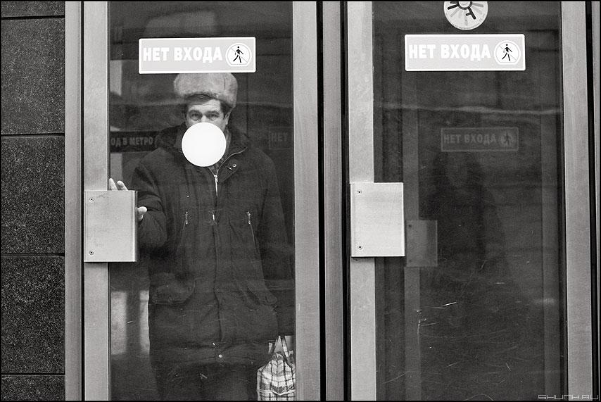 Выход в город - метро выход люди монохромное маяковская люди фото фотосайт