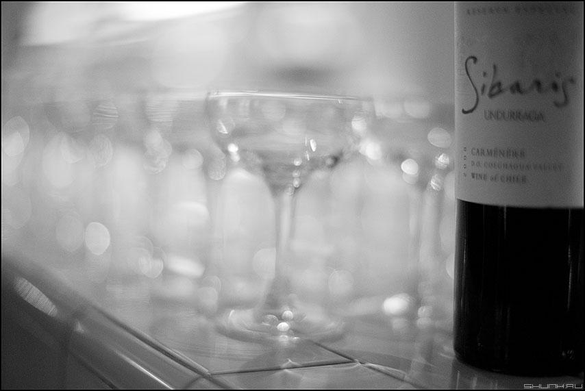 Вайн - бокалы вино еда серия монохромное фото фотосайт