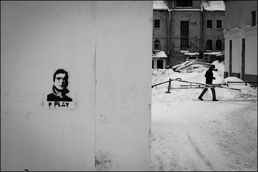 * * * - портрет графити трафарет шаг человек уличное фото фотосайт