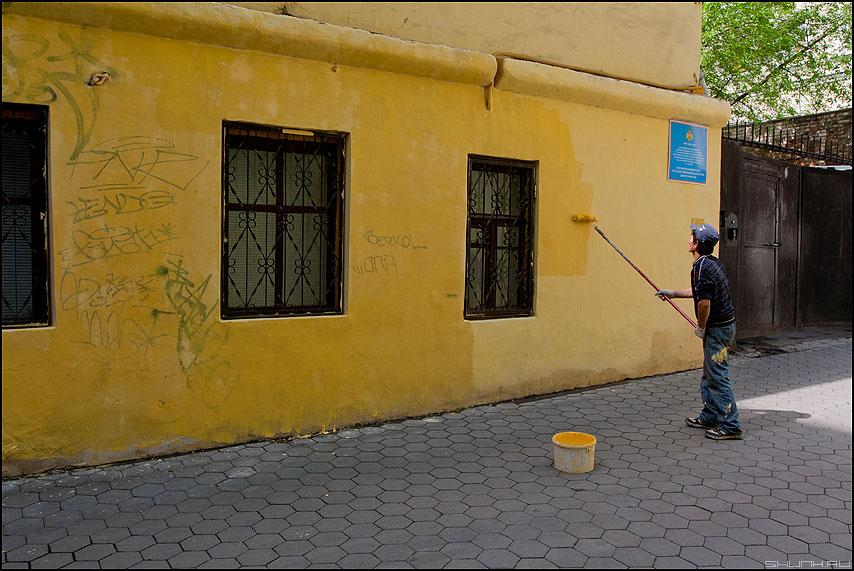 Маляр - стена палитра желтое маляр фото фотосайт