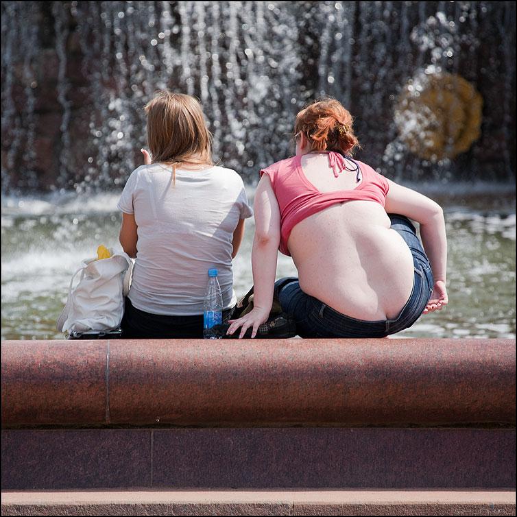 Спинной мозг - спина квадратное люди фонтан вднх фото фотосайт