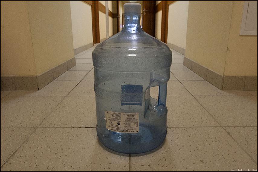 Бутыль - элементы офисное коридор фото фотосайт