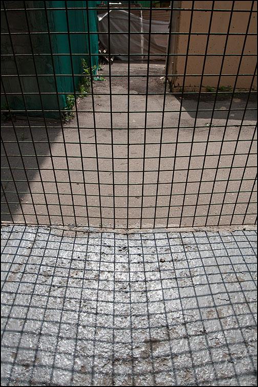 Решетка - решетка уличное элементы тень фото фотосайт