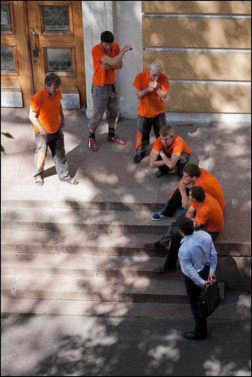 Эволюция человека - рабочие майки оранжевое эволюция фото фотосайт