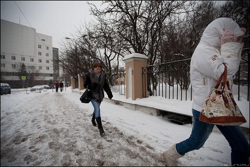 Ветер - метель ветер город люди зима зимнее фото фотосайт