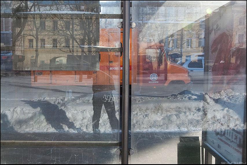 Прозрачность - остановка уличное я отражение зимнее фото фотосайт