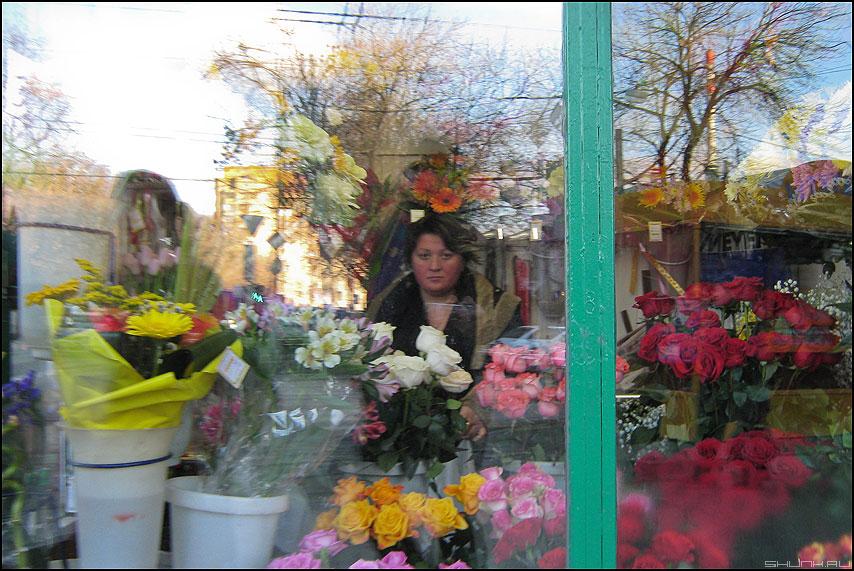 Цветочек - цветы продавец флаверс профессия цветочница фото фотосайт