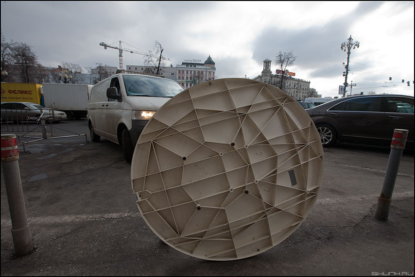 НЛО в москве - нло тарелка центр посадка москва фото фотосайт