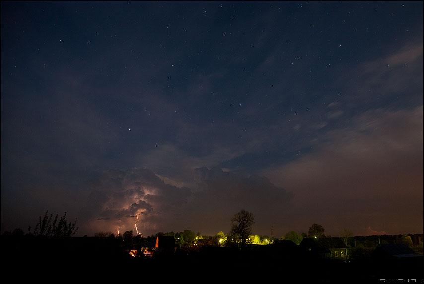 Грозовое небо - звезды небо облако деревня ночь фото фотосайт