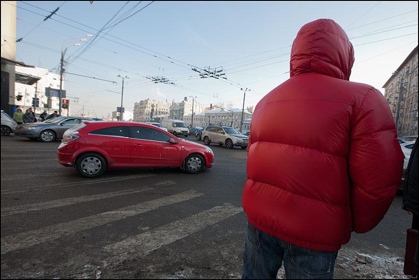 Коммунизм - красное уличное машина куртка переход фото фотосайт