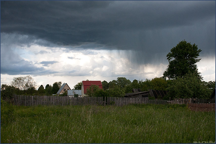 Пролился дождь - дождь небо деревня пасмурно фото фотосайт