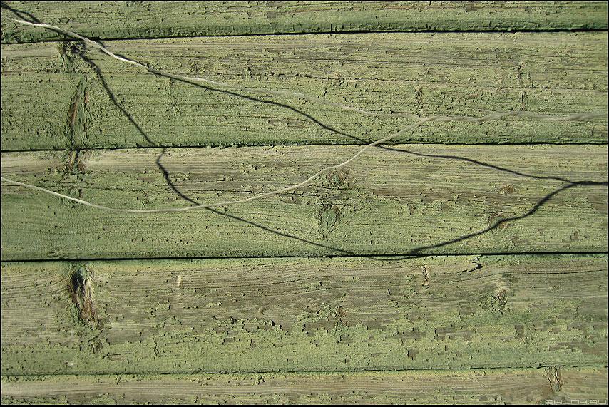 Веревочки - веревочки краска стена деревня фото фотосайт