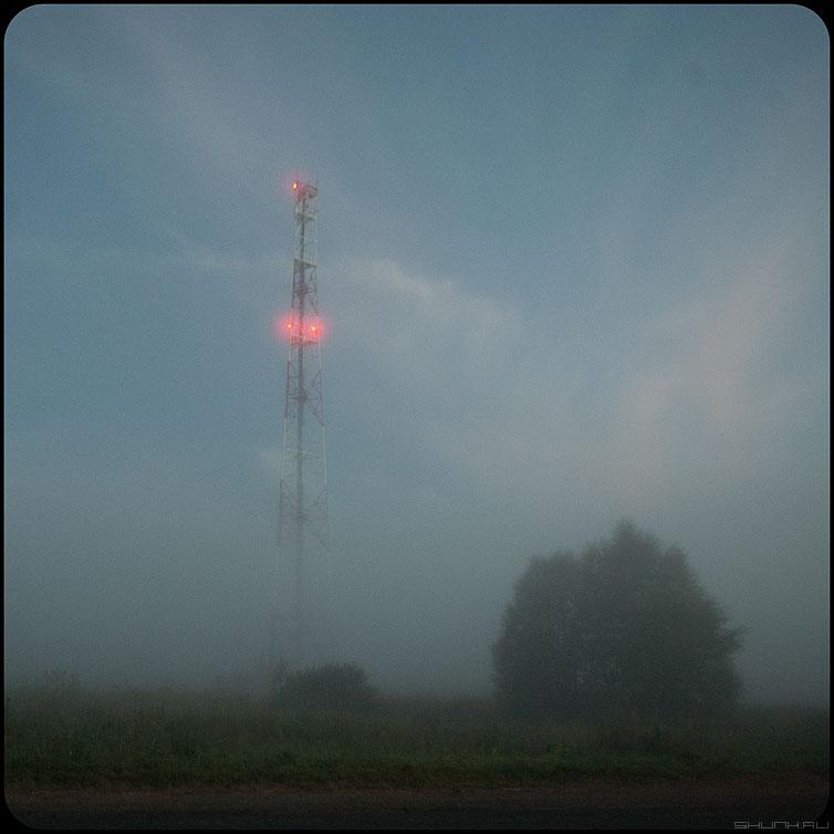 Огни - туман башня квадратное огни фото фотосайт