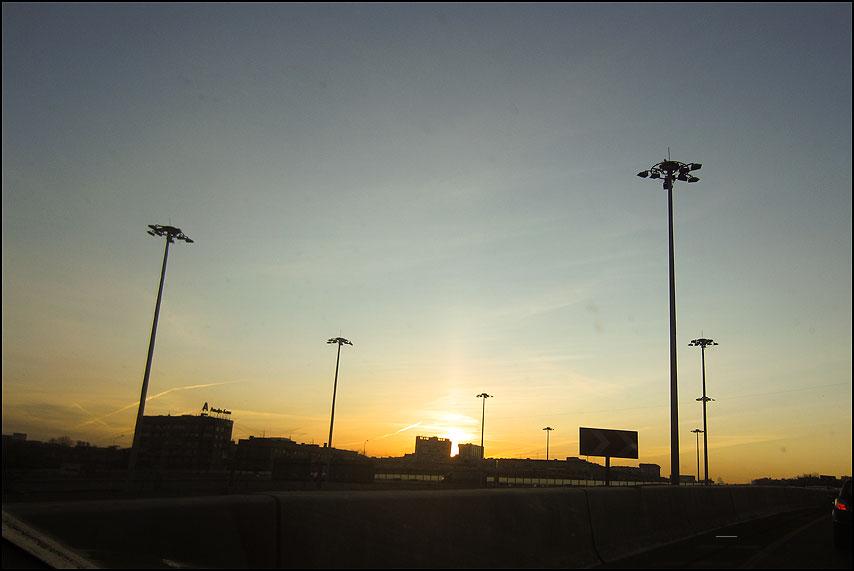 Про красный огонек - небо столбы ленинградка авто огонек фото фотосайт