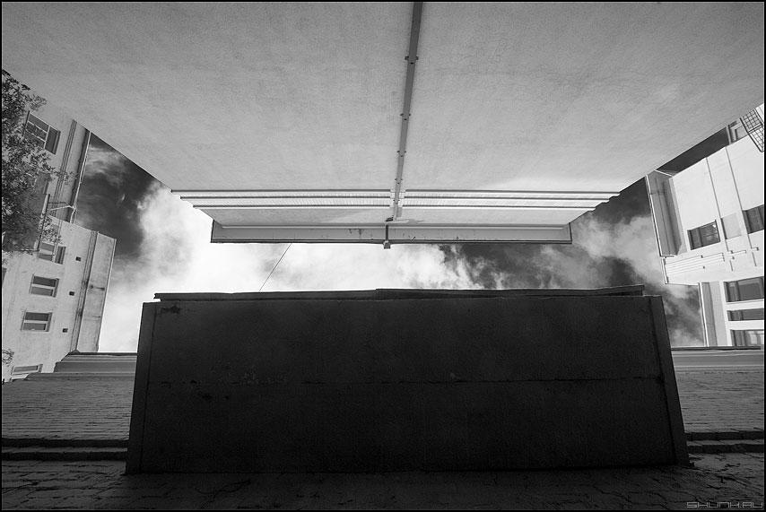 Давление козырька на стену противоположного дома - козырек вверх смотреть стена кирпичи ракурс фото фотосайт