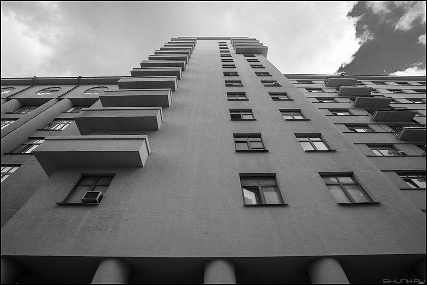 Балконный предрассудок - балконы город здание архитектура предрассудок фото фотосайт