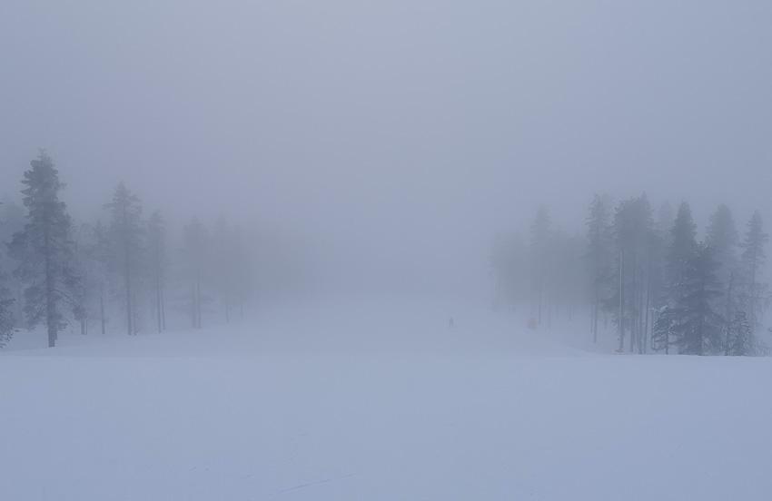 В туман 2 - горы леви зима 2020 горнолыжный кататься туман фото фотосайт