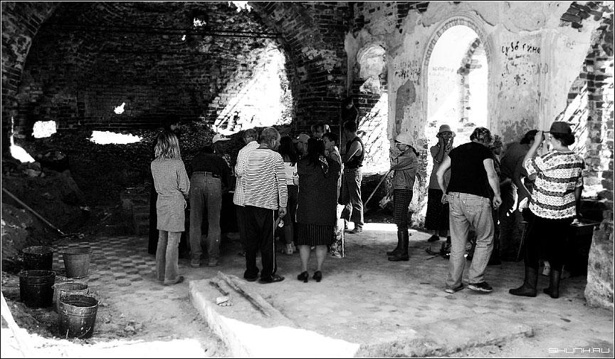 Прихожане... - востановление храм Святителя Николая Чудотворца фото фотосайт
