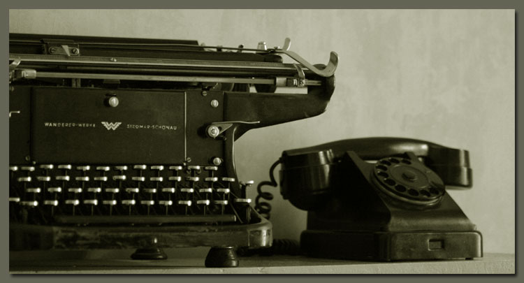 Звони и строчи... - печатная машинка телефон фото фотосайт