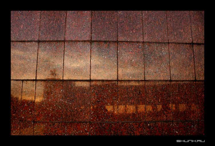 В отражение... - поклонная гора гранит фото фотосайт