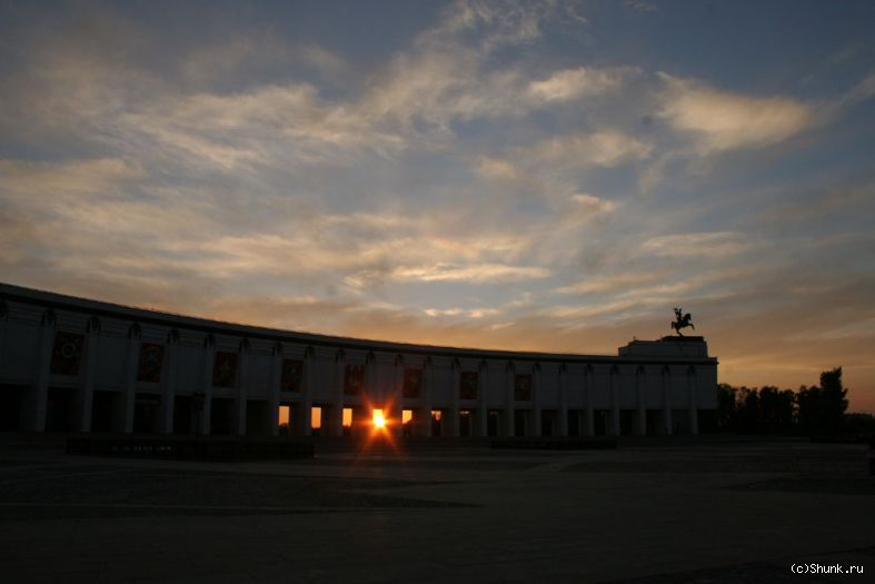 Сквозь... - поклонная гора музей солнце фото фотосайт